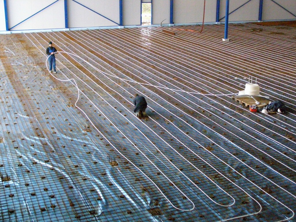 Vloerwerwarming in bedrijfshal Wieringerwerf